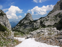 19.Z Bischofsmütze (2018m n.m.) cestou do údolí (Rakousko)