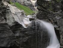 Vodopád v Bernských Alpách II. (Švýcarsko)
