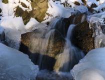 Zimní potůček v Posázaví