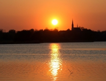 60.Západ slunce u rybníka