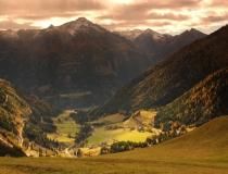 Pohled do údolí ve Vysokých Taurách (Rakousko)
