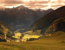 Pohled na Resseck 2498 m n.m. (Rakousko)